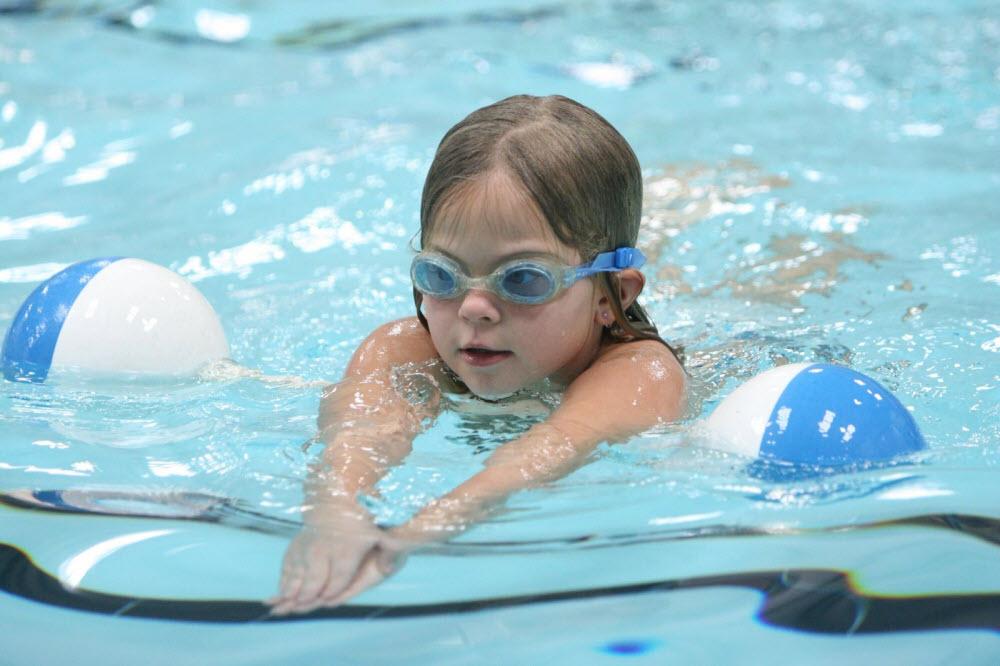5 điều cần biết trước khi cho trẻ đi bơi